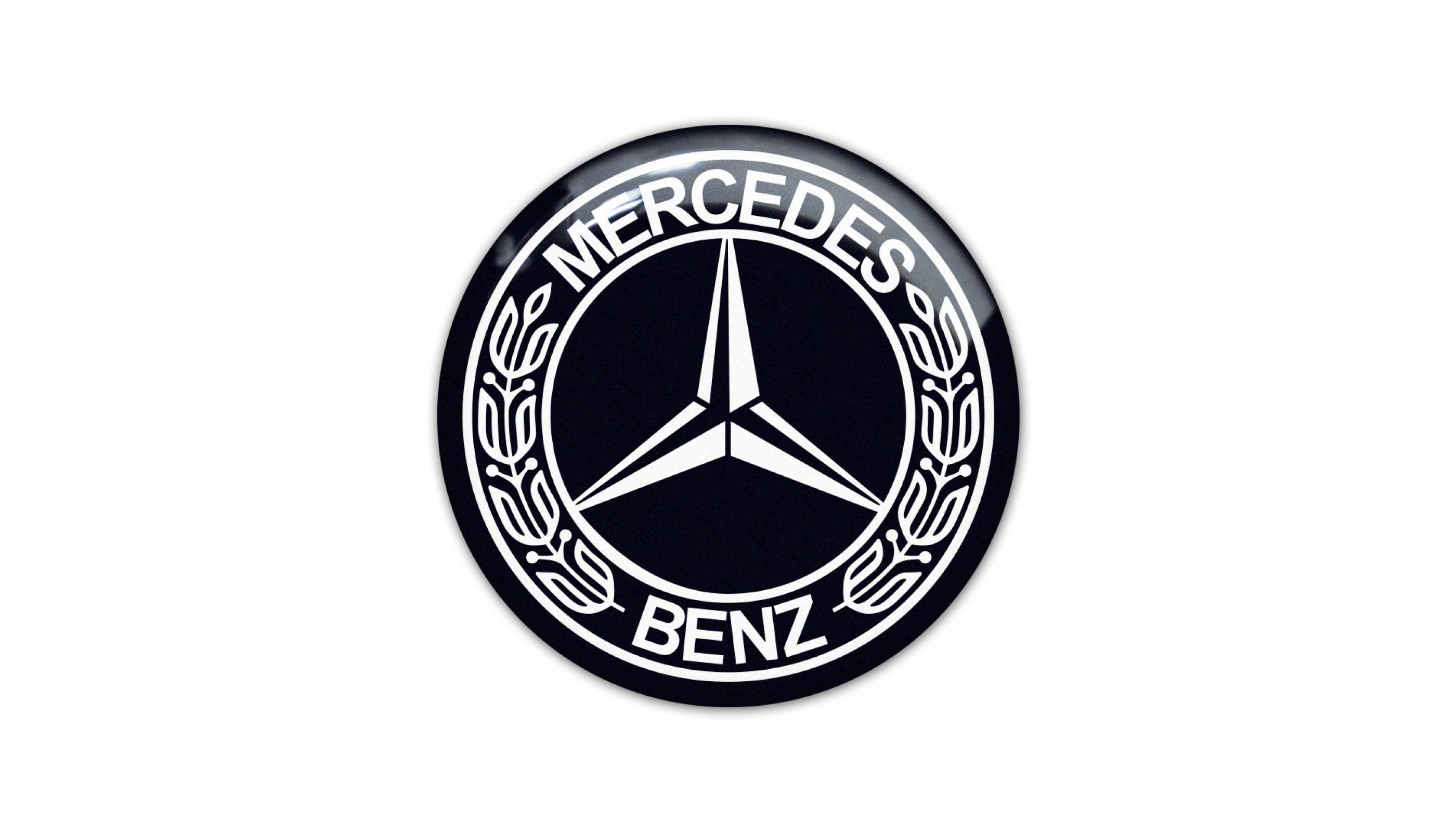Mercedes Classic Black